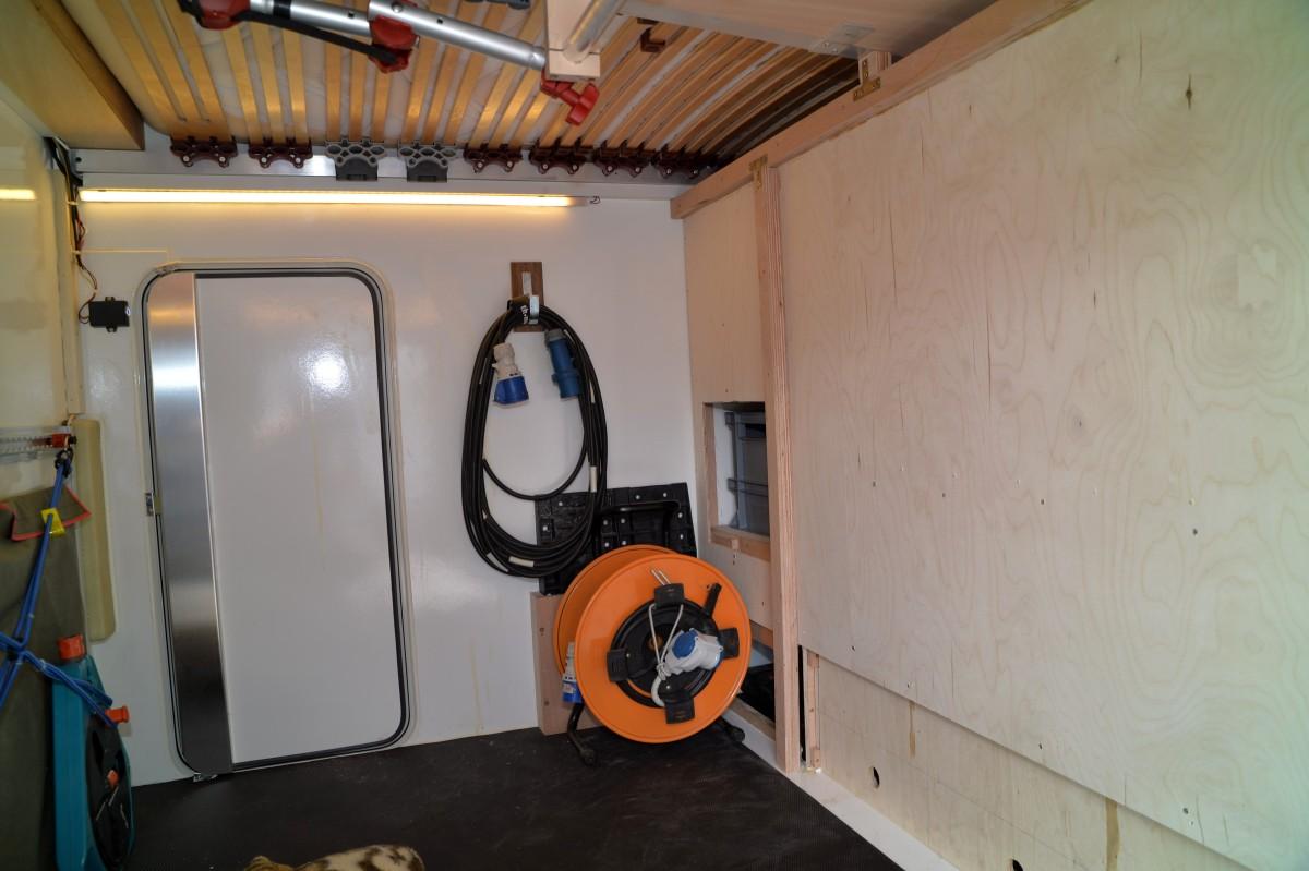 Garage unter dem Bett